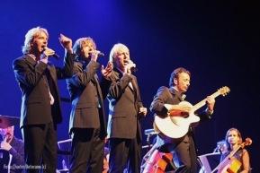 NNO Symphonic Echoes of Pink Floyd met Antonie Kamerling, Erik Mesie, Bert Heerink en Joost Vergoossen (2008)